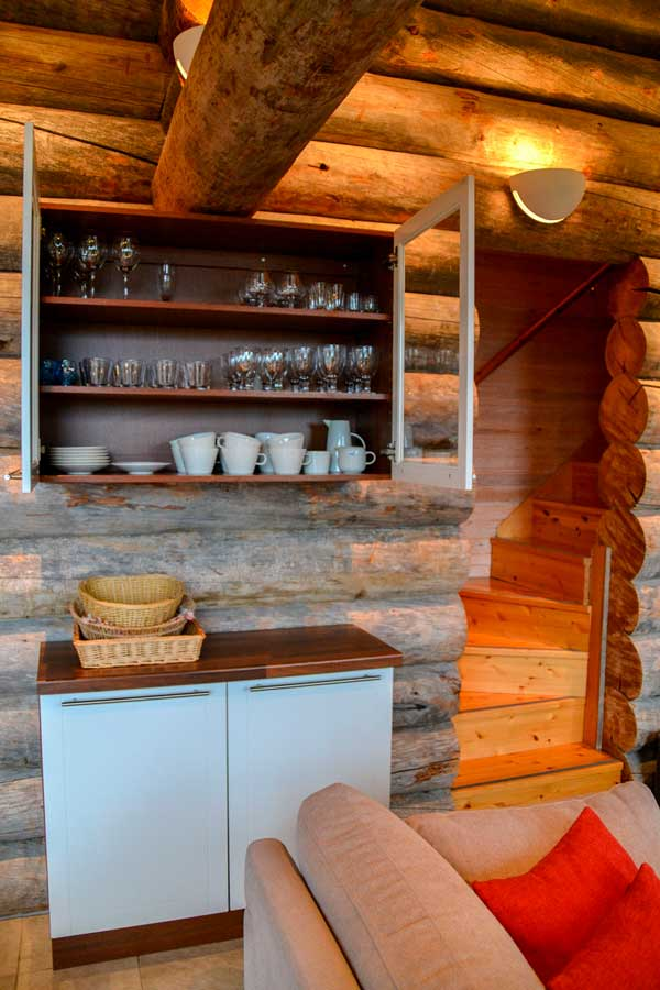 Astiasto | Kitchen cabinet, tableware