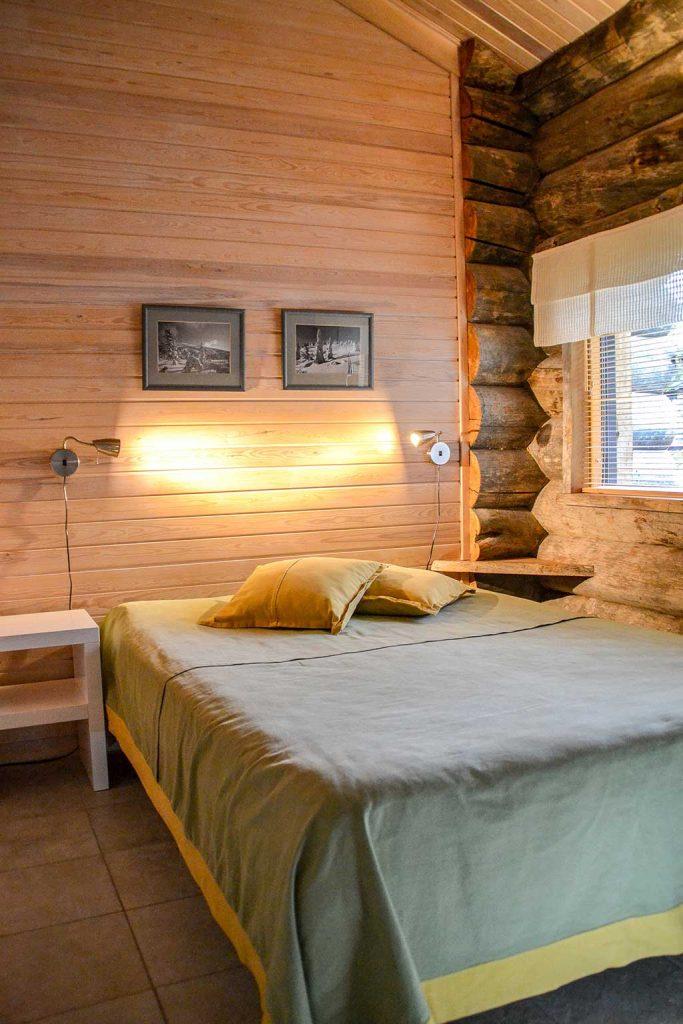 Alakerran makuuhuone 3   Bedroom 3 downstairs