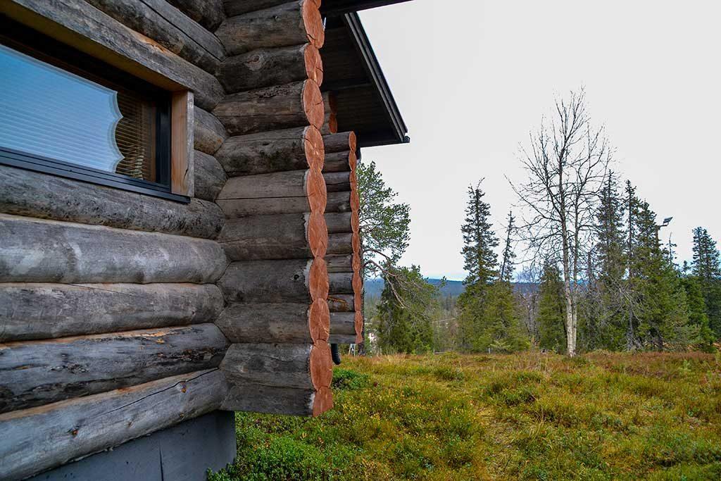 Näkymä ulkoa   Log chalet from outside   Kelokoto Ruka